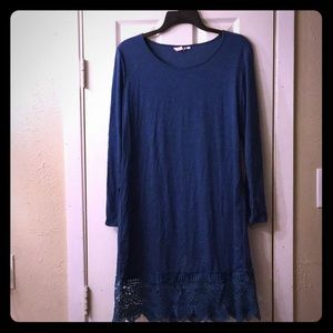 Blue tunic dress with lace trim